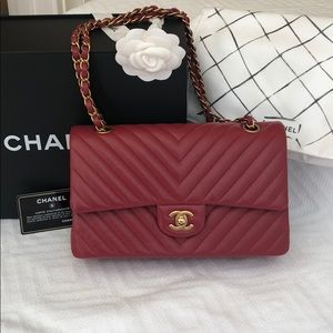 🌹 Red CHANEL handbag. ♥️